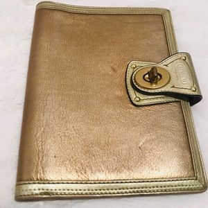 Coach Legacy leather planner:Gold/ turn lock
